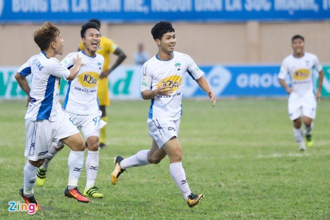 CLB Ha Noi thang doi Quang Ninh 4-1, HAGL thua nguoc CLB Quang Nam 2-3 hinh anh 18