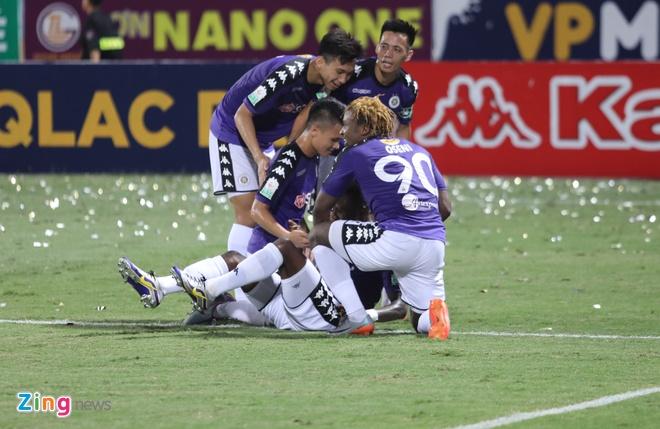 CLB Ha Noi thang doi Quang Ninh 4-1, HAGL thua nguoc CLB Quang Nam 2-3 hinh anh 25