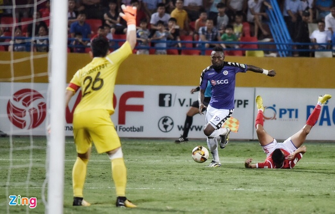 CLB Ha Noi thang doi Quang Ninh 4-1, HAGL thua nguoc CLB Quang Nam 2-3 hinh anh 21