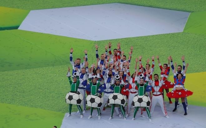 Le khai mac World Cup: Casillas ruoc cup vang, Ro 'beo' cuoi rang ro hinh anh 35