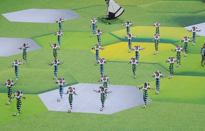 Le khai mac World Cup: Casillas ruoc cup vang, Ro 'beo' cuoi rang ro hinh anh 36