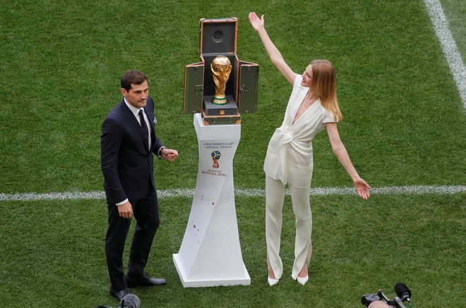 Le khai mac World Cup: Casillas ruoc cup vang, Ro 'beo' cuoi rang ro hinh anh 31