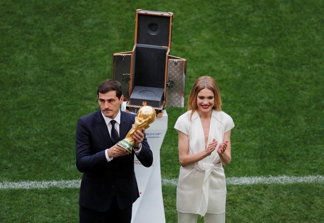 Le khai mac World Cup: Casillas ruoc cup vang, Ro 'beo' cuoi rang ro hinh anh 32