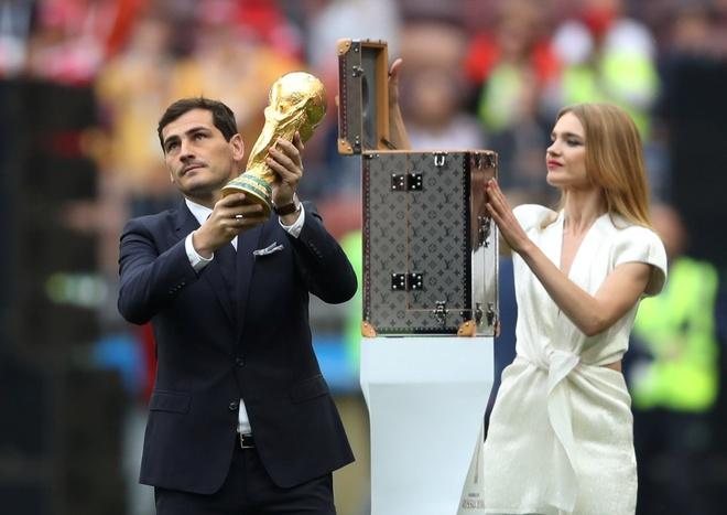 Le khai mac World Cup: Casillas ruoc cup vang, Ro 'beo' cuoi rang ro hinh anh 34