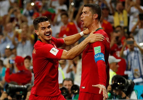 Ronaldo da goi, tra loi di Messi hinh anh