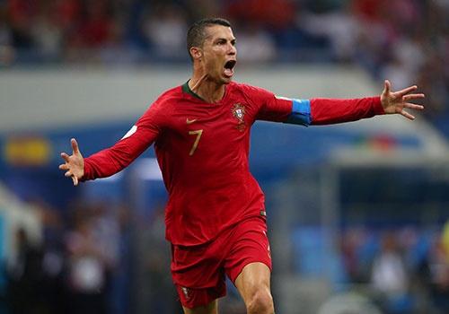 Cristiano Ronaldo: Ta la mot, la rieng, la thu nhat hinh anh