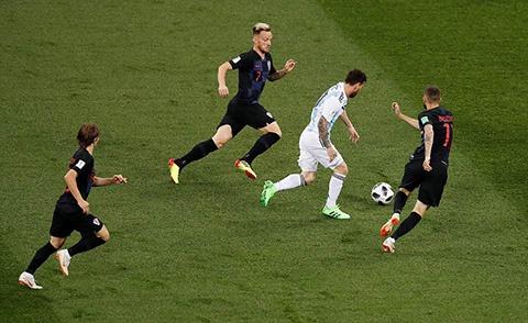 World Cup ngay 20/6: 'Neu la Neymar, Pogba se khong bi tuoc ban thang' hinh anh 37