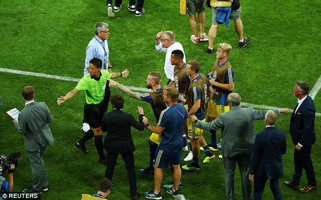 World Cup ngay 2/7: HLV Brazil 'doa' Mexico truoc dai chien hinh anh 202