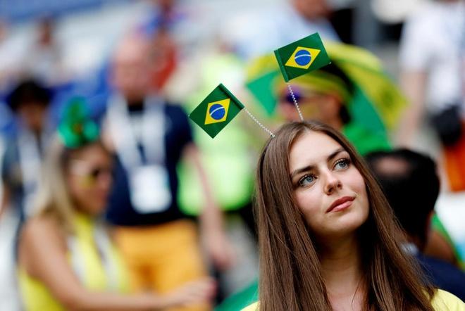 Neymar ghi ban va kien tao, Brazil vao tu ket World Cup hinh anh 12
