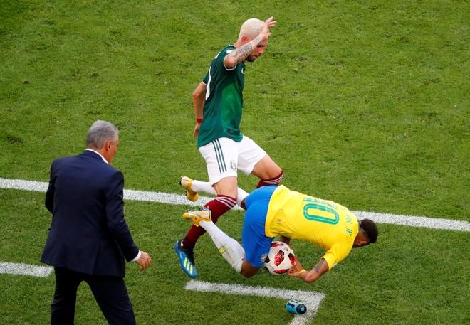 Neymar ghi ban va kien tao, Brazil vao tu ket World Cup hinh anh 50