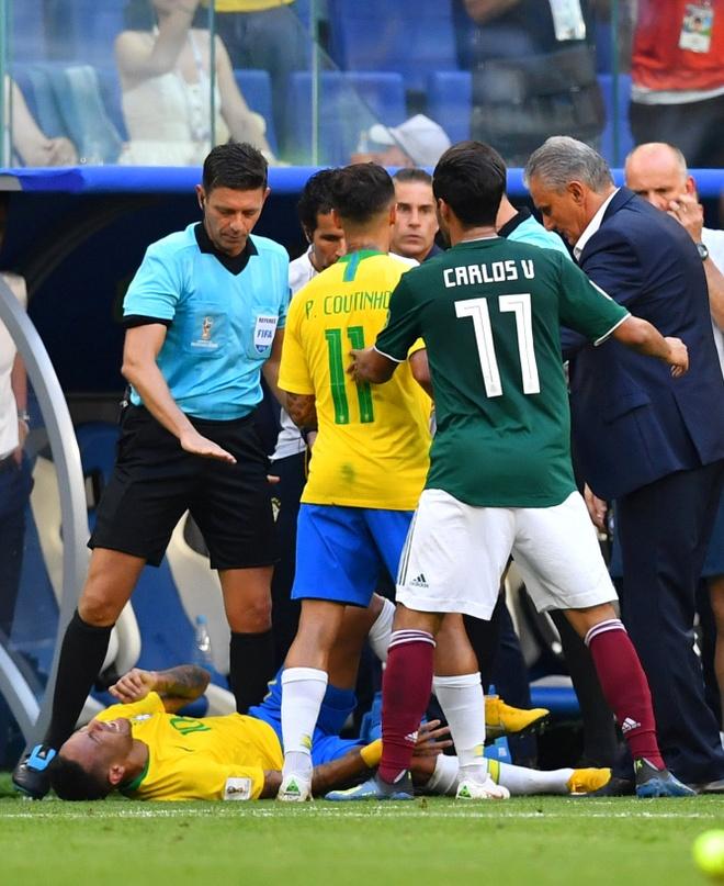 Neymar ghi ban va kien tao, Brazil vao tu ket World Cup hinh anh 51