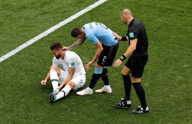 DT Phap vao ban ket World Cup sau chien thang 2-0 truoc Uruguay hinh anh 29