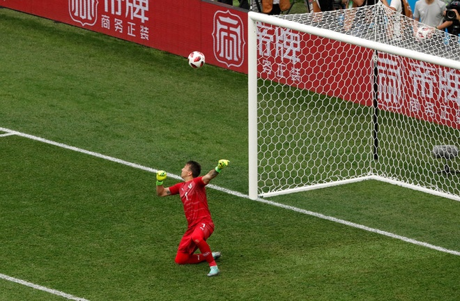 DT Phap vao ban ket World Cup sau chien thang 2-0 truoc Uruguay hinh anh 45