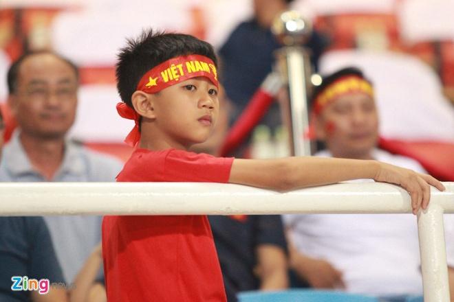 Olympic VN vs Olympic Oman (1-0): Doan Van Hau ghi ban dep mat hinh anh 17