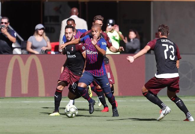 Barca vs AC Milan (0-1): Nhan ban thua phut 90+3 hinh anh 19