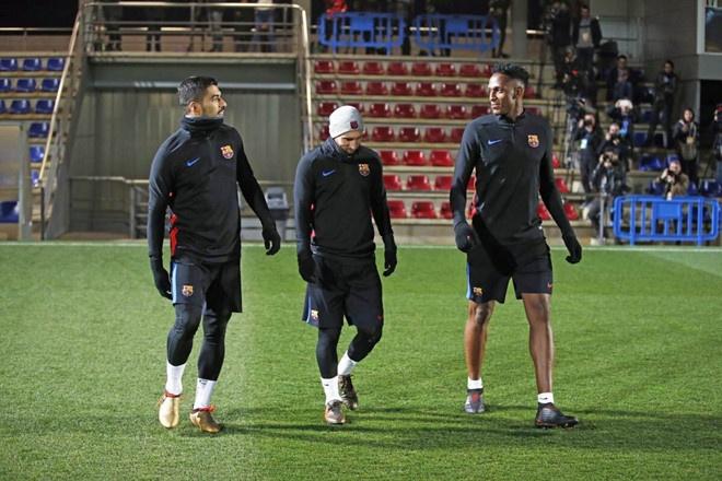 Barca vs AC Milan (0-1): Nhan ban thua phut 90+3 hinh anh 11