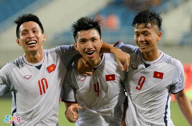 Olympic VN 3-0 Olympic Pakistan: Cong Phuong da hong 2 qua penalty hinh anh 11