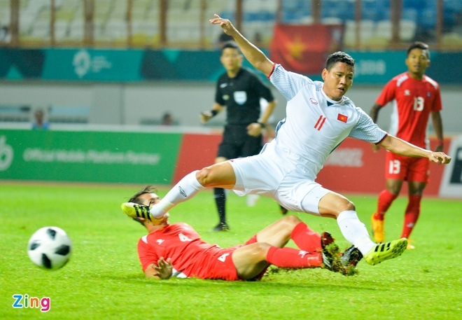 Danh bai Nepal 2-0, Olympic Viet Nam vao vong knock-out ASIAD hinh anh 20