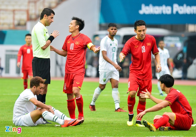 Danh bai Nepal 2-0, Olympic Viet Nam vao vong knock-out ASIAD hinh anh 4