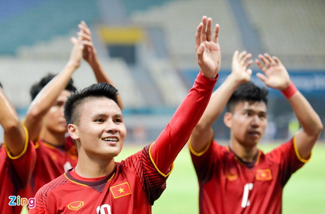 Danh bai Nepal 2-0, Olympic Viet Nam vao vong knock-out ASIAD hinh anh 10