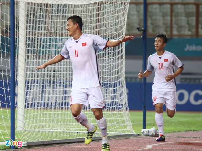 Danh bai Nepal 2-0, Olympic Viet Nam vao vong knock-out ASIAD hinh anh 23