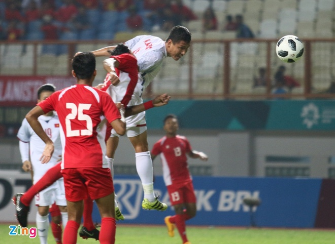 Danh bai Nepal 2-0, Olympic Viet Nam vao vong knock-out ASIAD hinh anh 24
