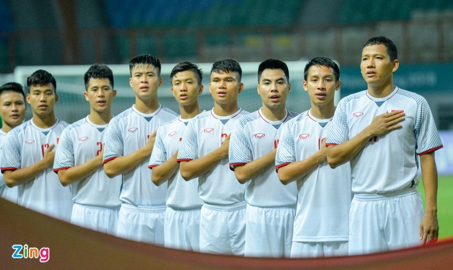 Danh bai Nepal 2-0, Olympic Viet Nam vao vong knock-out ASIAD hinh anh 16