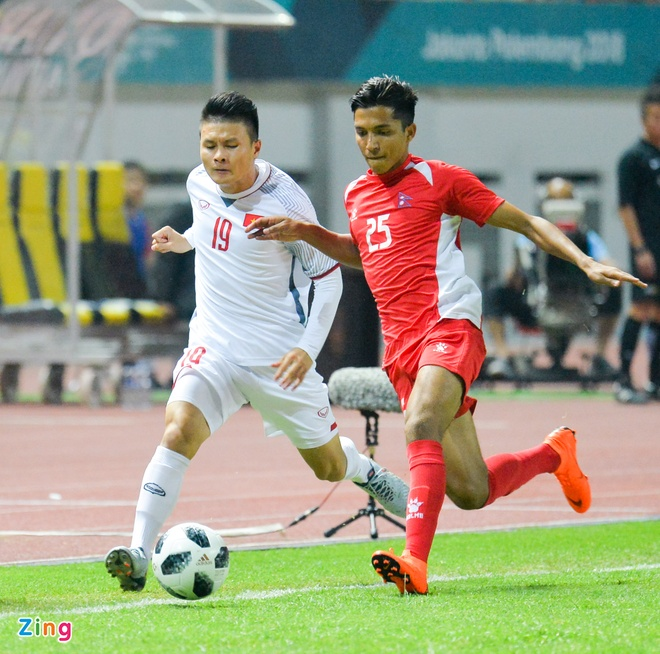 Danh bai Nepal 2-0, Olympic Viet Nam vao vong knock-out ASIAD hinh anh 18