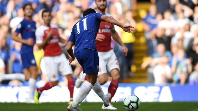 Chelsea vs Arsenal (3-2): Hazard kien tao, Oezil gay that vong hinh anh 16