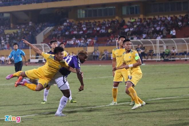 CLB Ha Noi lap ky luc vo dich V.League truoc 5 vong dau hinh anh 25