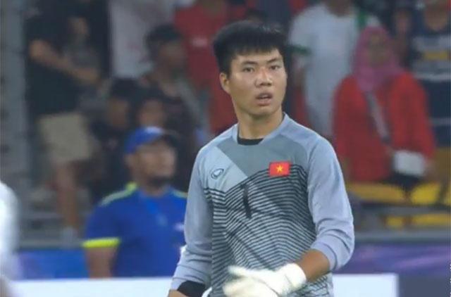 Huyen thoai Arsenal khen Aubameyang anh 23