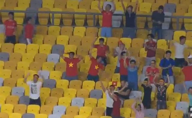 Huyen thoai Arsenal khen Aubameyang anh 19