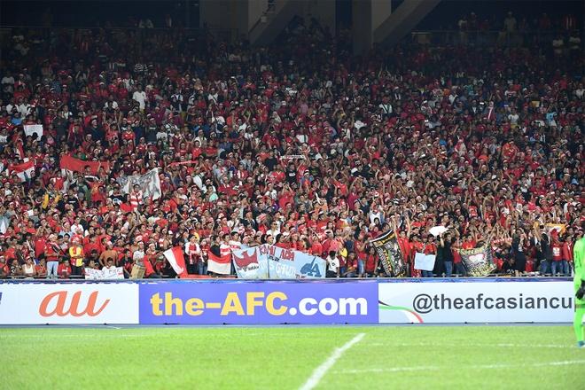 Huyen thoai Arsenal khen Aubameyang anh 21