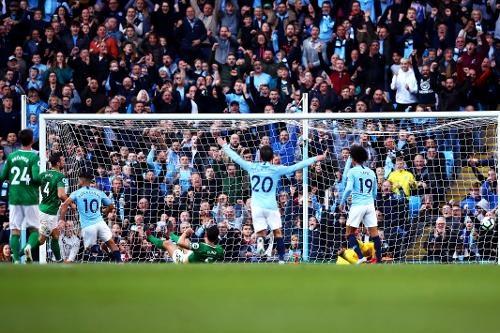 Man City tung doi hinh manh gap Brighton anh 23