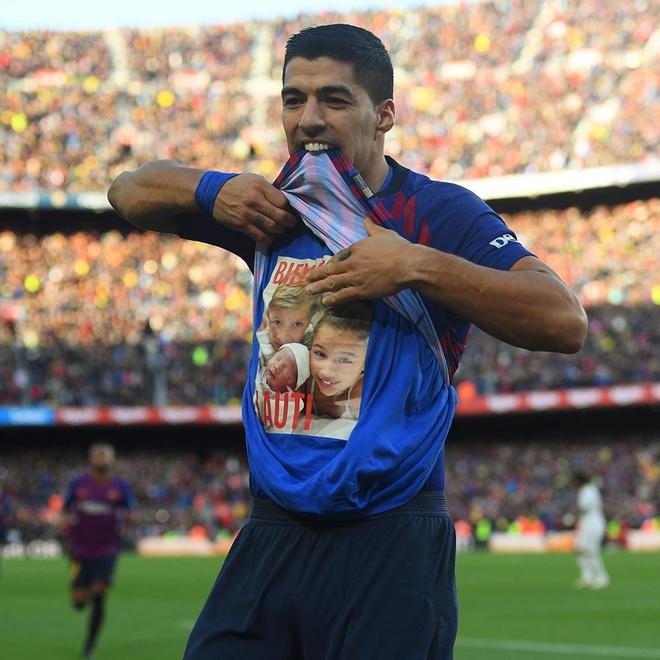 Luis Suarez lap hat-trick giup Barca thang Real 5-1 hinh anh 36