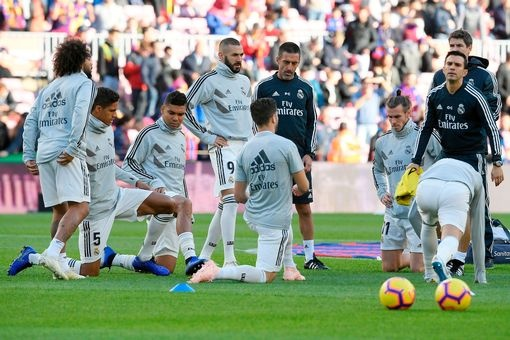 Luis Suarez lap hat-trick giup Barca thang Real 5-1 hinh anh 25