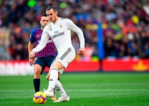 Luis Suarez lap hat-trick giup Barca thang Real 5-1 hinh anh 27