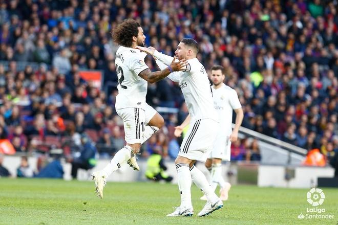 Luis Suarez lap hat-trick giup Barca thang Real 5-1 hinh anh 39