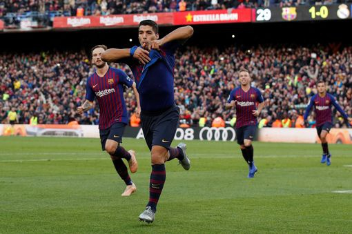 Luis Suarez lap hat-trick giup Barca thang Real 5-1 hinh anh 40