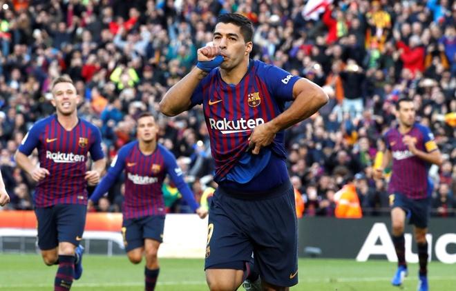 Luis Suarez lap hat-trick giup Barca thang Real 5-1 hinh anh 35