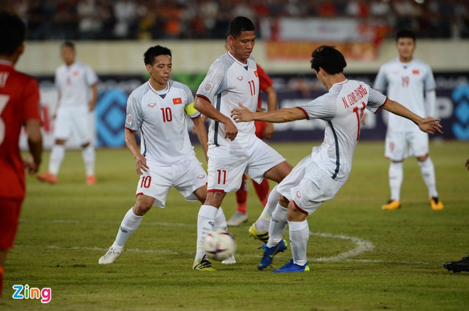 DT Lao vs DT Viet Nam (0-3): Cong Phuong, Quang Hai gay an tuong hinh anh 31
