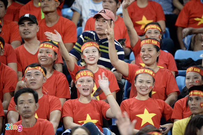 DT Lao vs DT Viet Nam (0-3): Cong Phuong, Quang Hai gay an tuong hinh anh 11