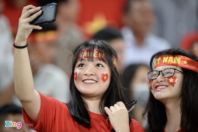 DT Lao vs DT Viet Nam (0-3): Cong Phuong, Quang Hai gay an tuong hinh anh 12
