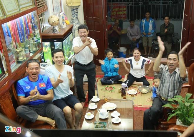 DT Lao vs DT Viet Nam (0-3): Cong Phuong, Quang Hai gay an tuong hinh anh 35