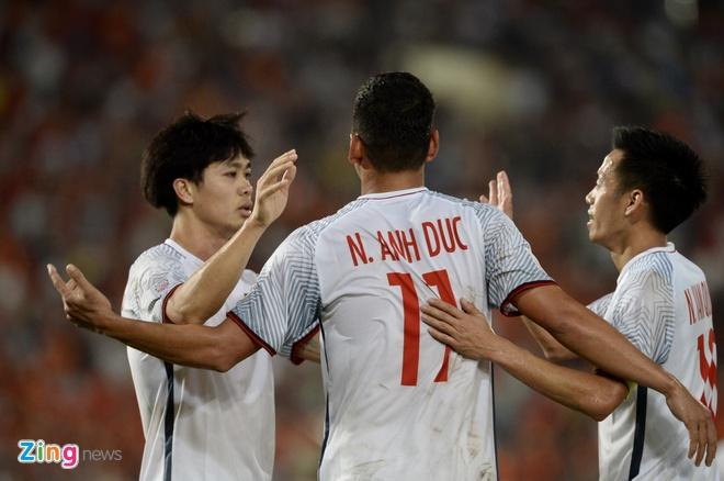 DT Lao vs DT Viet Nam (0-3): Cong Phuong, Quang Hai gay an tuong hinh anh 40