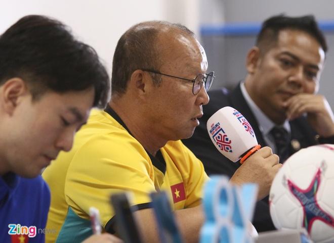 CDV phu do khan dai trong tran ra quan cua DT Viet Nam tai AFF Cup hinh anh 17