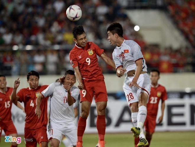 DT Lao vs DT Viet Nam (0-3): Cong Phuong, Quang Hai gay an tuong hinh anh 29