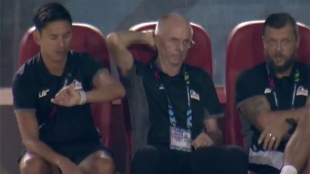 Philippines 1-0 Singapore: HLV Eriksson co chien thang tai AFF Cup hinh anh 11
