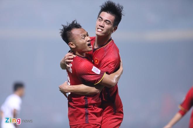 Tuyen Viet Nam vao ban ket AFF Cup voi ngoi dau bang hinh anh 47