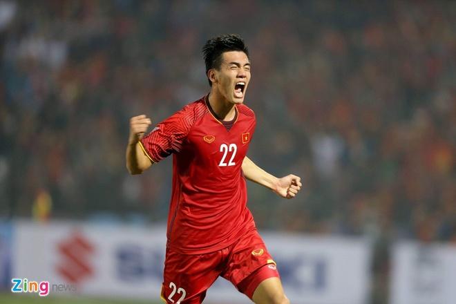 Tuyen Viet Nam vao ban ket AFF Cup voi ngoi dau bang hinh anh 44